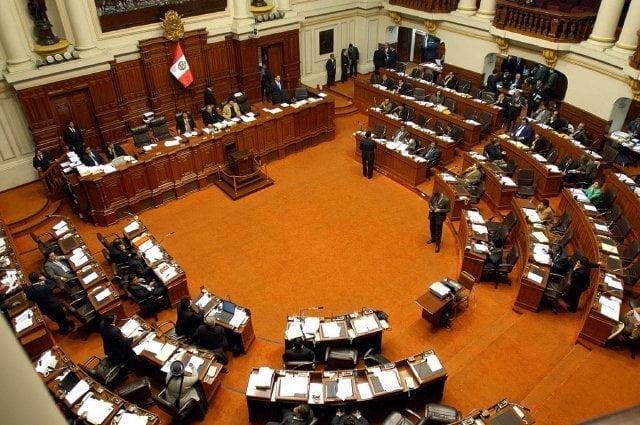 Congreso aprueba viaje del presidente Humala a Venezuela