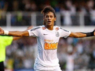 Neymar anotó dos tantos en la goleada del Santos 8-0 sobre Bolívar