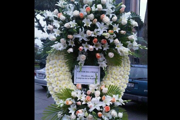 Familia de Diez Canseco rechaza ofrenda floral de Víctor Isla