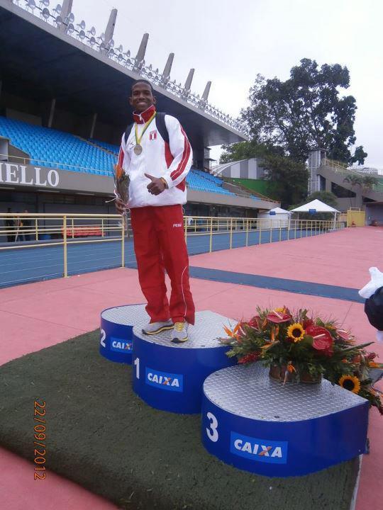 Andy Martínez hace historia tras batir el record nacional de 100 metros planos