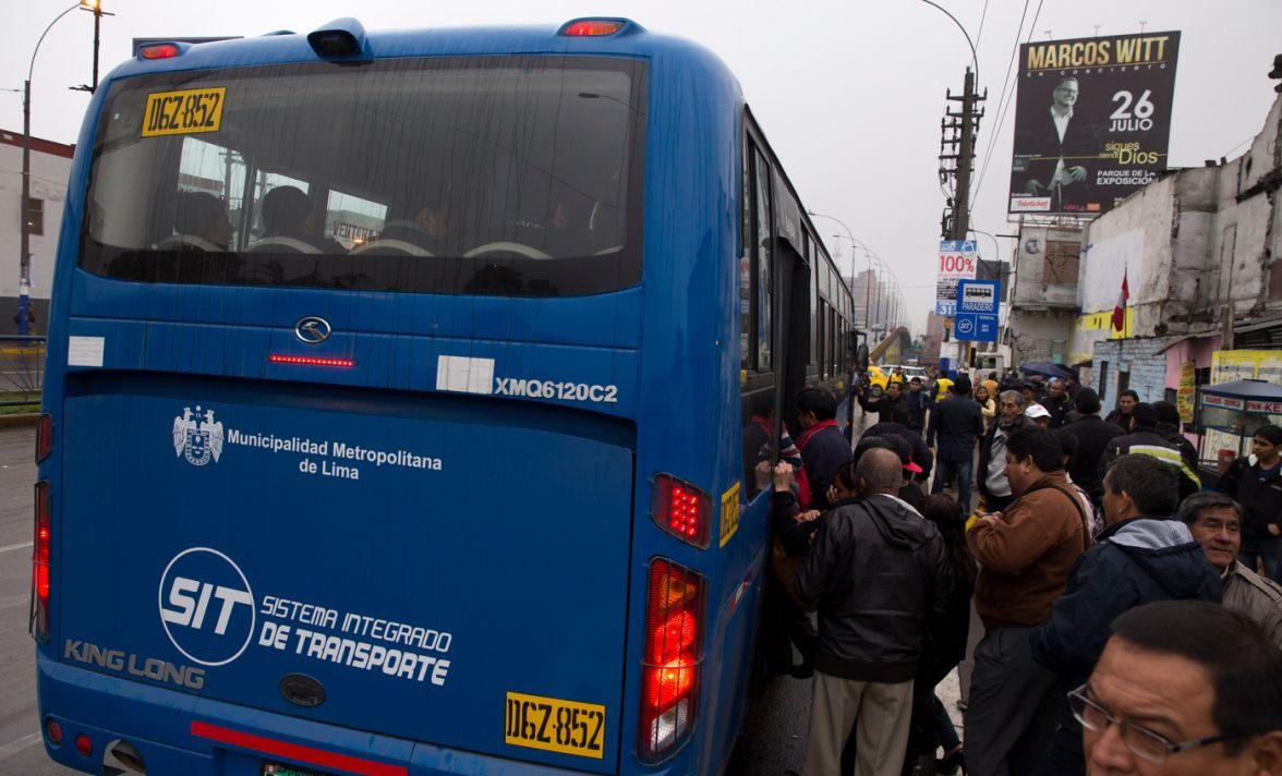 Corredor Azul: Pasajeros afectados por desorden y desconcierto