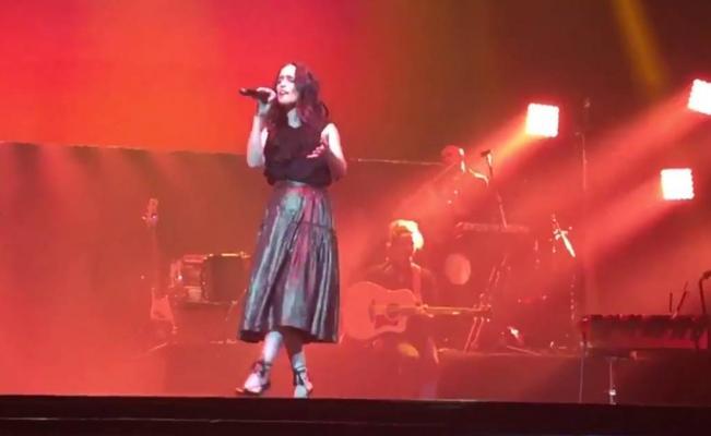 Julieta Venegas y su homenaje a Juan Gabriel en vivo [VIDEO]