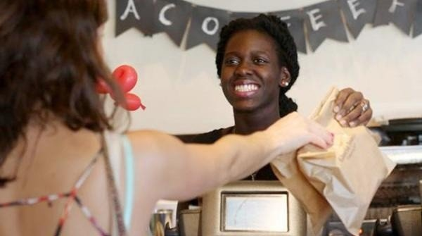 La respuesta a una cliente racista que se viralizó