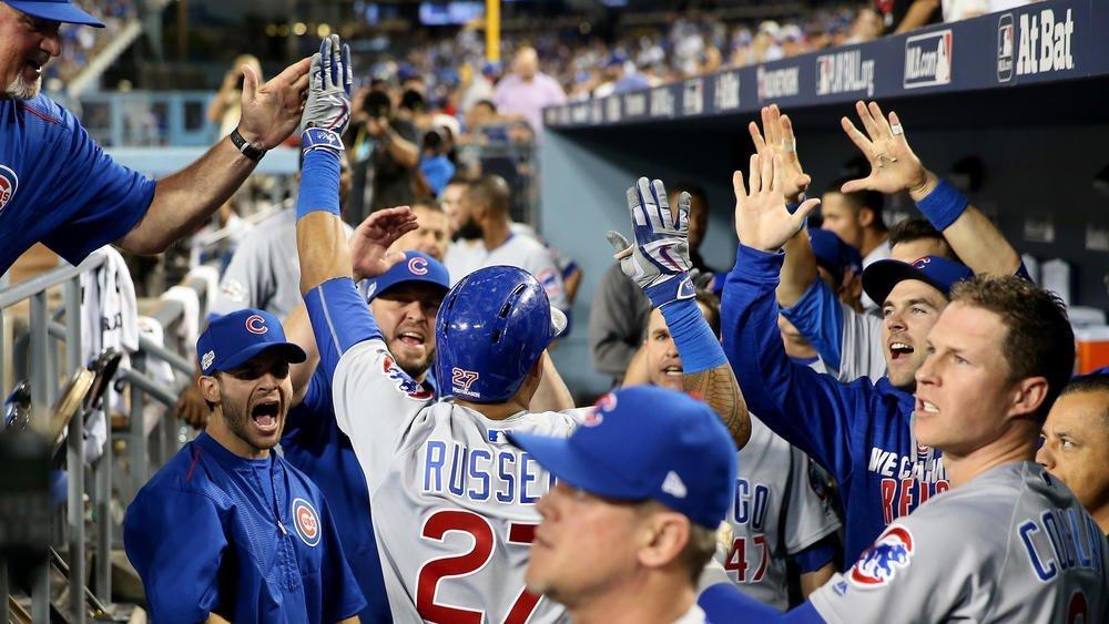 Cachorros derrotaron 8-4 a los Dodgers y quedaron a un juego del título de la Liga Nacional