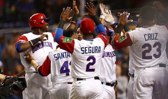 República Dominicana e Italia debutaron con victorias en el Clásico Mundial