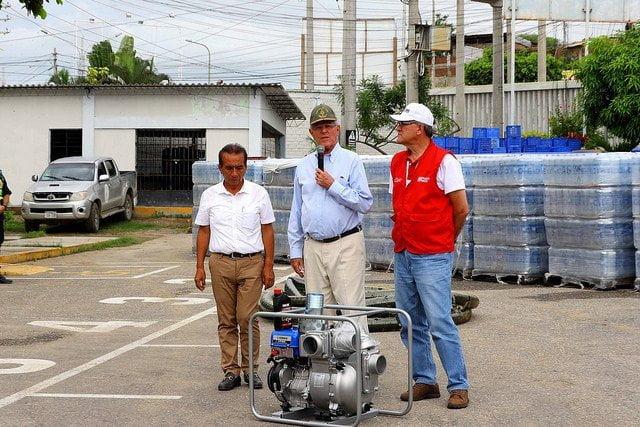 Presidente Kuczynski sobrevoló zonas afectadas en Tumbes — Perú en emergencia