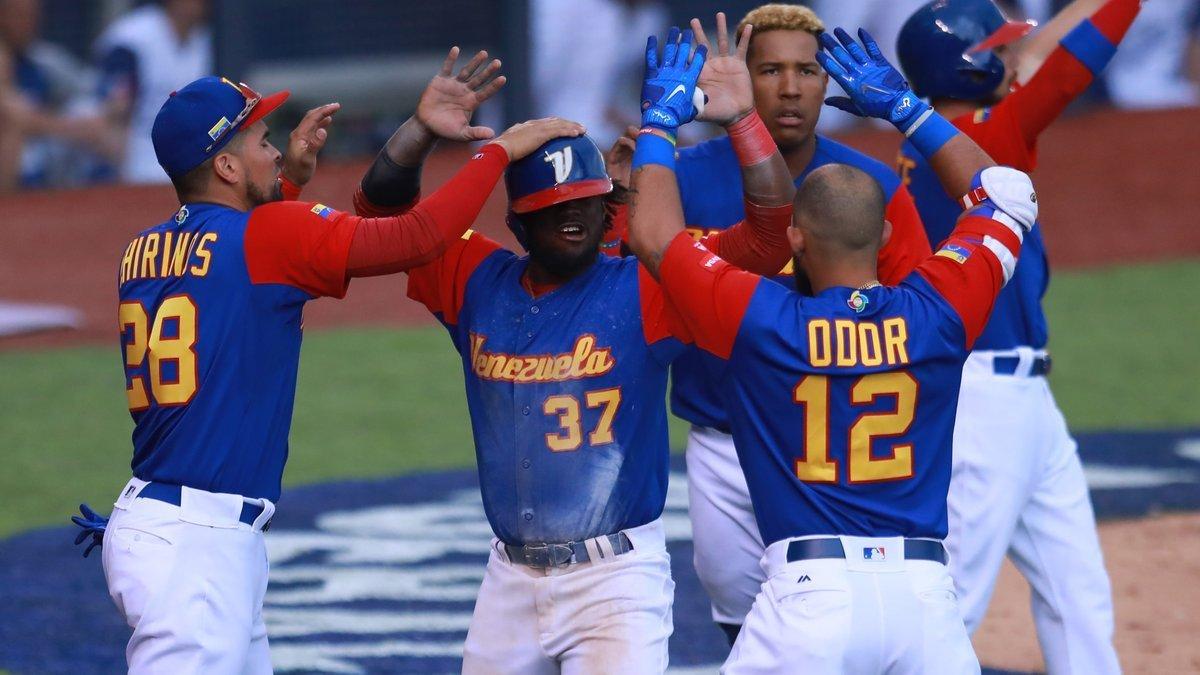 Presidente Maduro felicitó a Venezuela por triunfo en Mundial de Béisbol