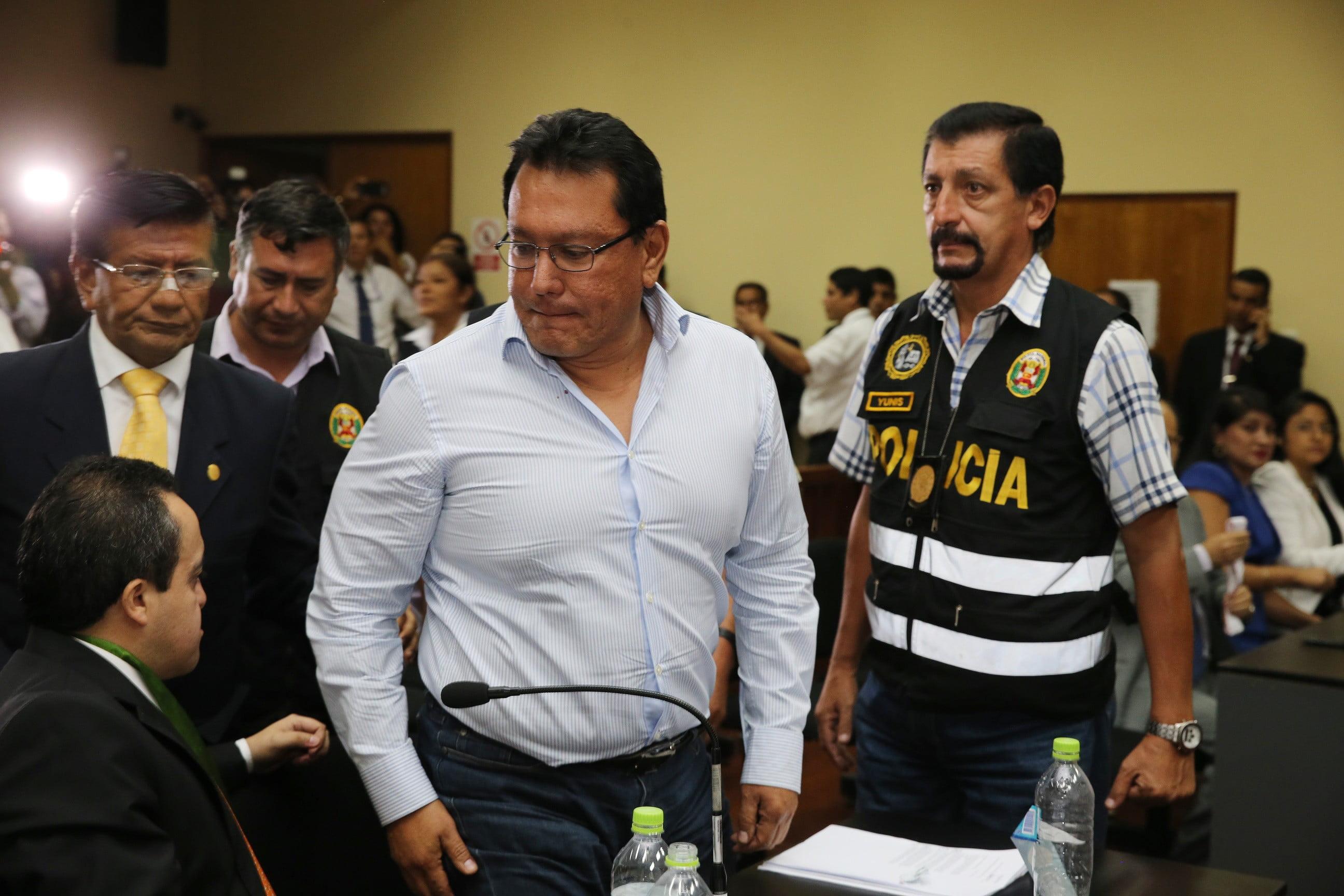 El titular del Tercer Juzgado de Investigación Preparatoria Nacional, Ricardo Manrique, ordenó esta noche la prisión preventiva por 18 meses del gobernador regional del Callao, Félix Moreno