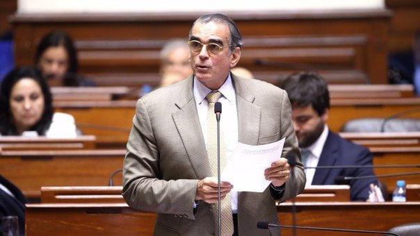 El legislador Pedro Olaechea será el titular de PRODUCE.