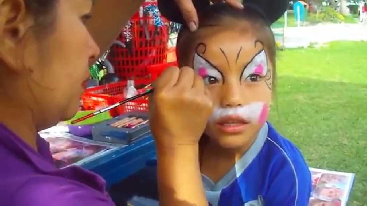 Maquillaje y dulces con elementos tóxicos podrían ser muy nocivos para niños.
