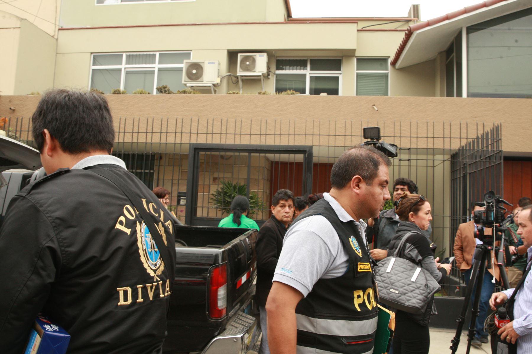 Local allanado de Fuerza Popular en Surco
