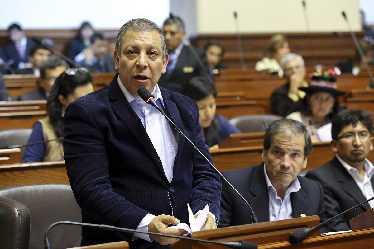 Marco Arana ha desaparecido de las encuestas — Juan Sheput