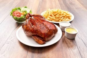 Peruanos consumen pollo a la brasa en promedio dos veces al mes